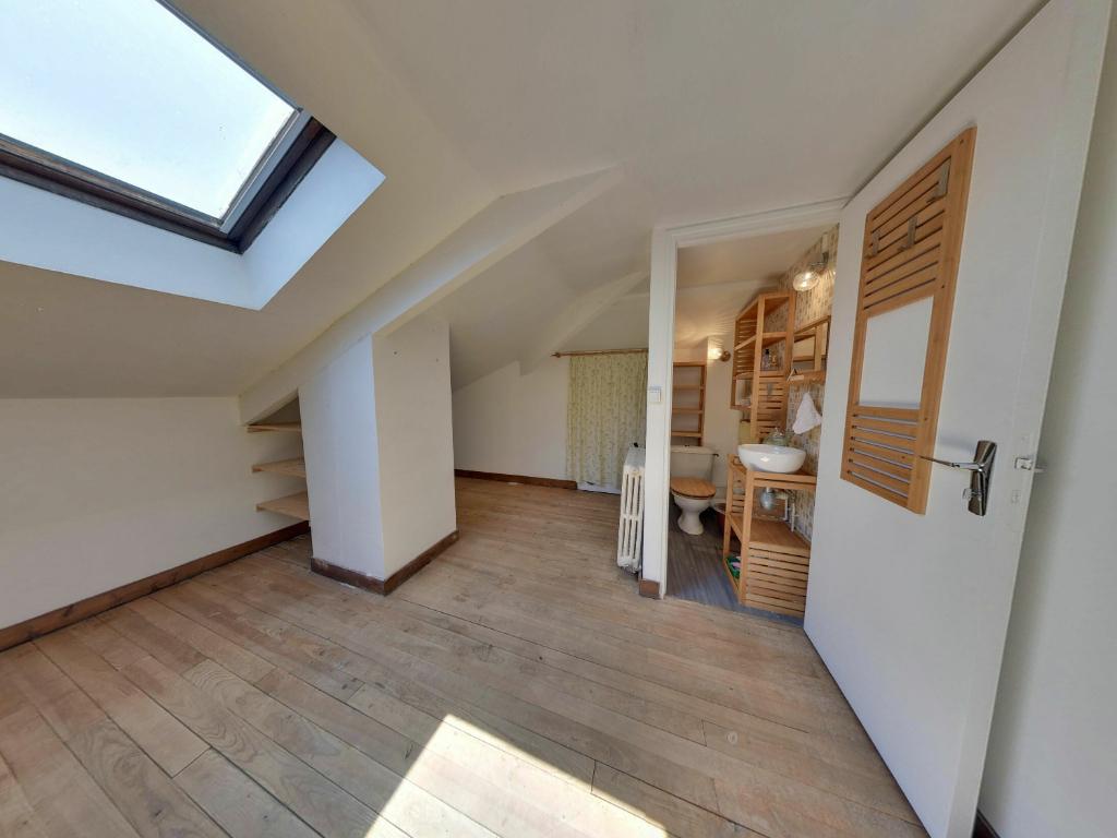 Maison Plain-pied 4 pièce(s) 95m2  + grand garage — Les Cottages