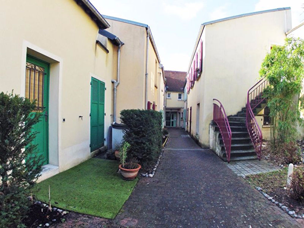 003010E0H521 - Appartement à vendreSUCY EN BRIE