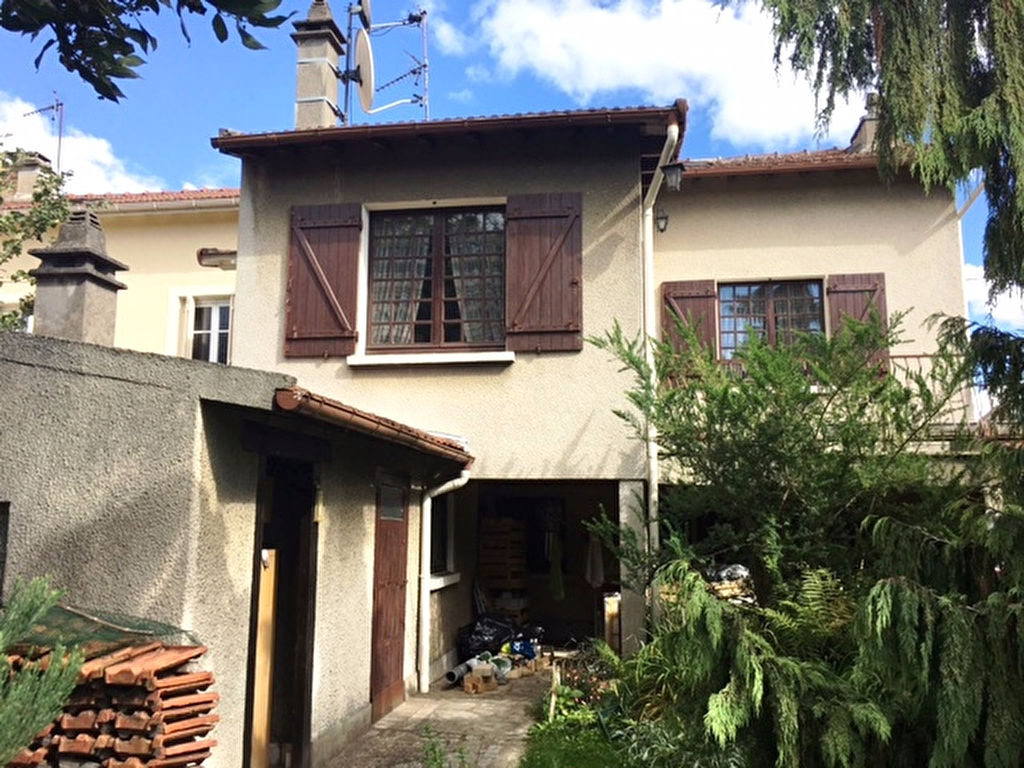 003010E0V424 - Maison à vendreSUCY EN BRIE