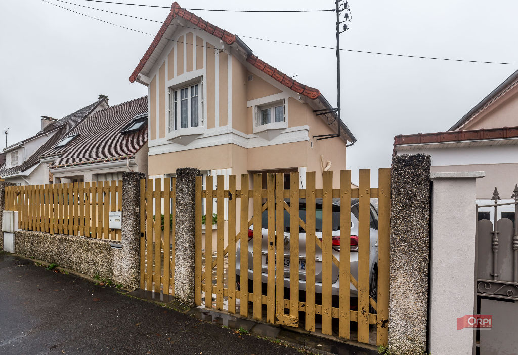 003010E0WRXZ - Maison à vendreSUCY EN BRIE