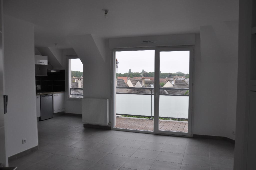 003902E12IRS - Appartement à louerBRIE COMTE ROBERT