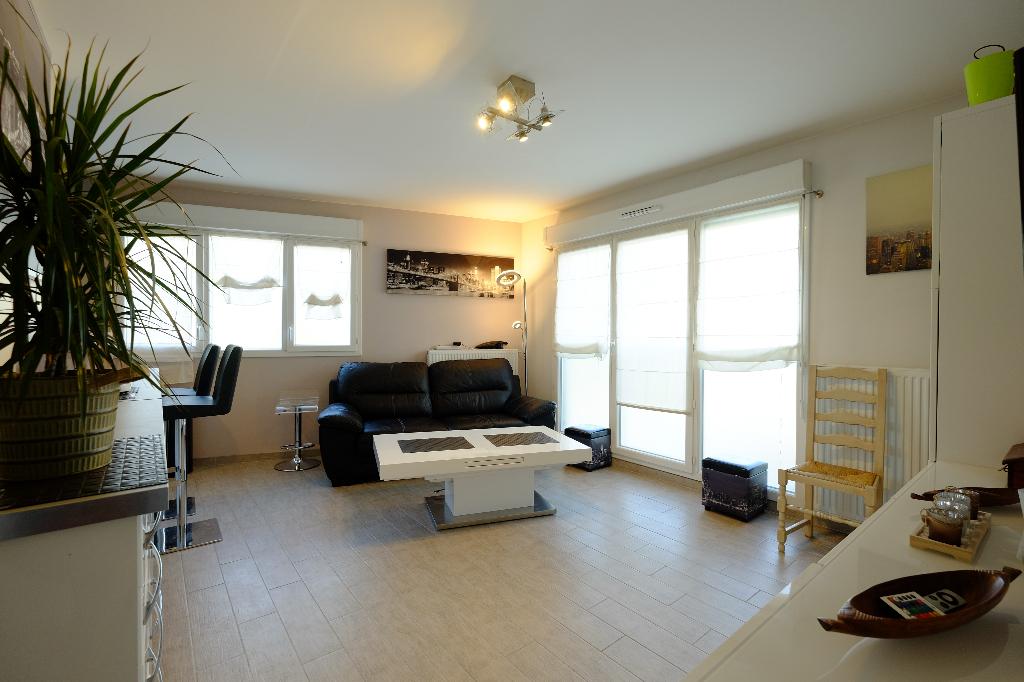 003010E12O42 - Appartement à vendreSUCY EN BRIE