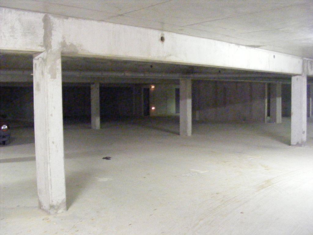 annonce vente parking garage caen 14000 136 650 992735916873. Black Bedroom Furniture Sets. Home Design Ideas