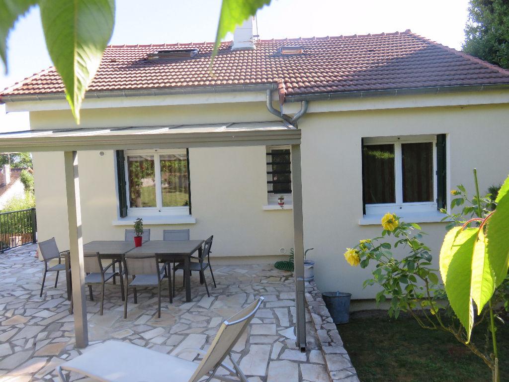 Annonce location maison mandres les roses 94520 102 m for Annonces location maison