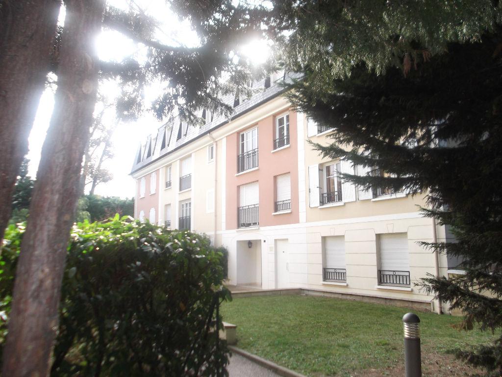 003045E0M37U - Appartement à louerCHENNEVIERES SUR MARNE