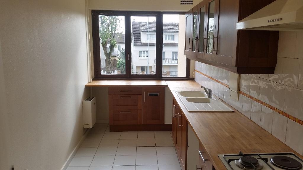 003045E0SAX7 - Appartement à louerCHENNEVIERES SUR MARNE