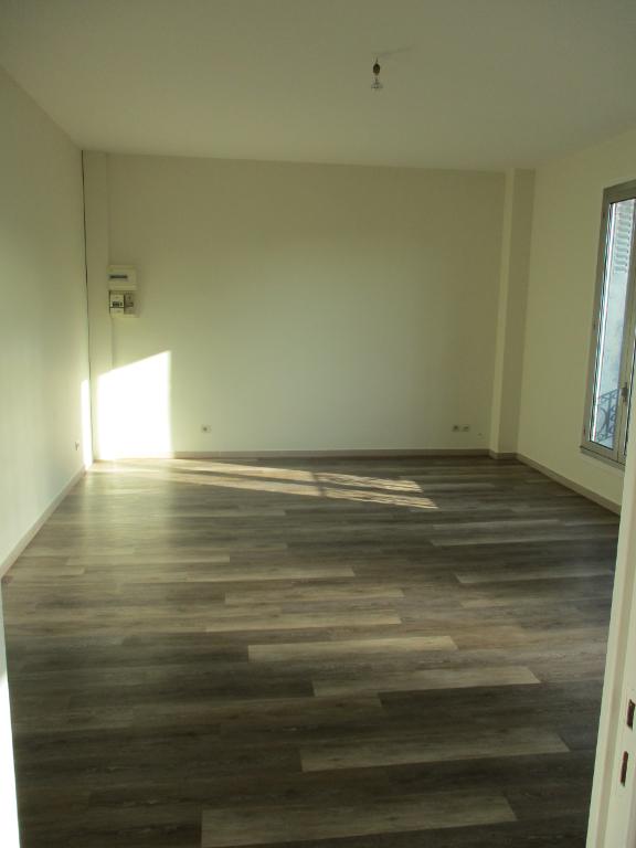 003045E1529F - Appartement à louerORMESSON SUR MARNE