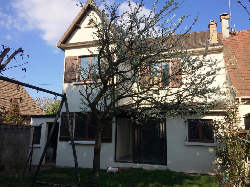 003045E16UJ9 - Maison à vendreORMESSON SUR MARNE