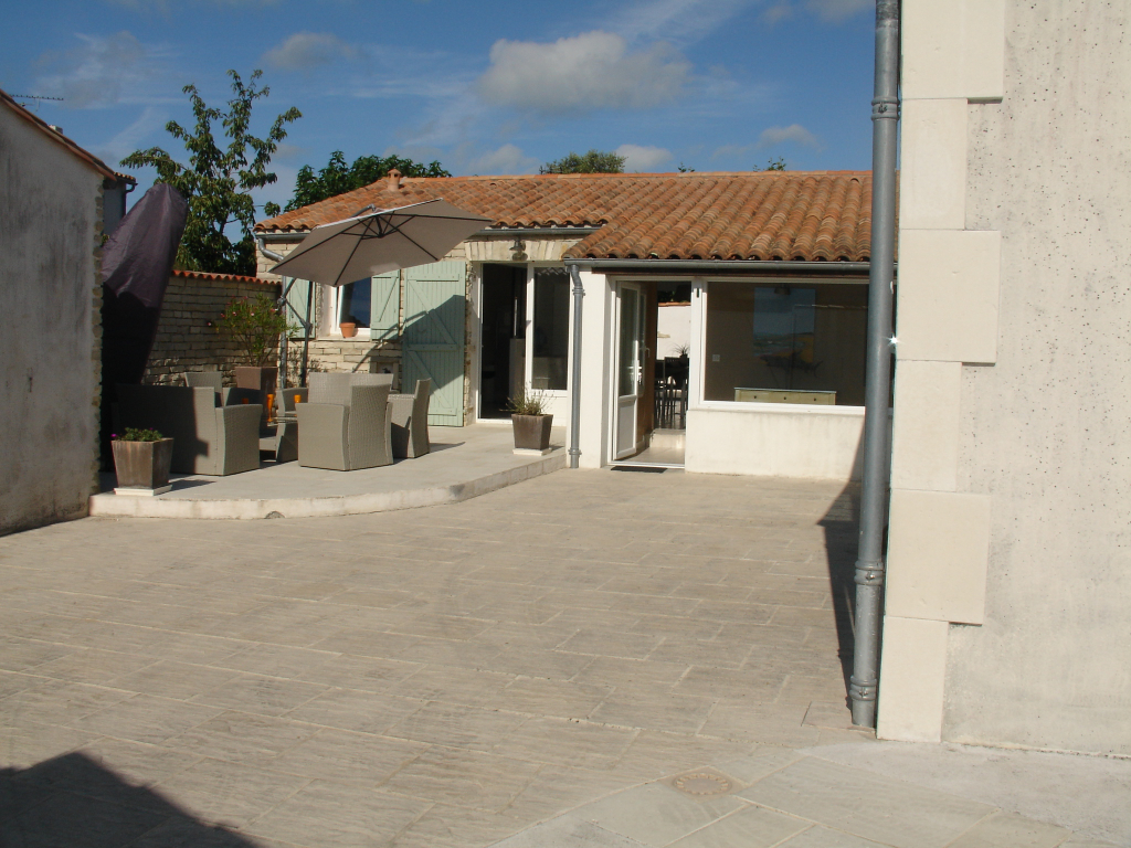 Maison La Flotte 5 pièce(s) 131 m2 LA FLOTTE EN RE (17630)