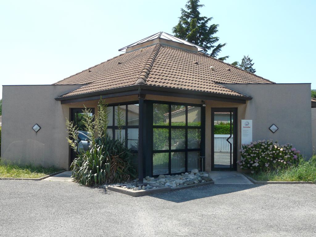 Tournon sur Rh�ne, bureaux avec garage et parking.. 6 bureaux + 1 double bureau, une salle de repos, une salle de r�union..