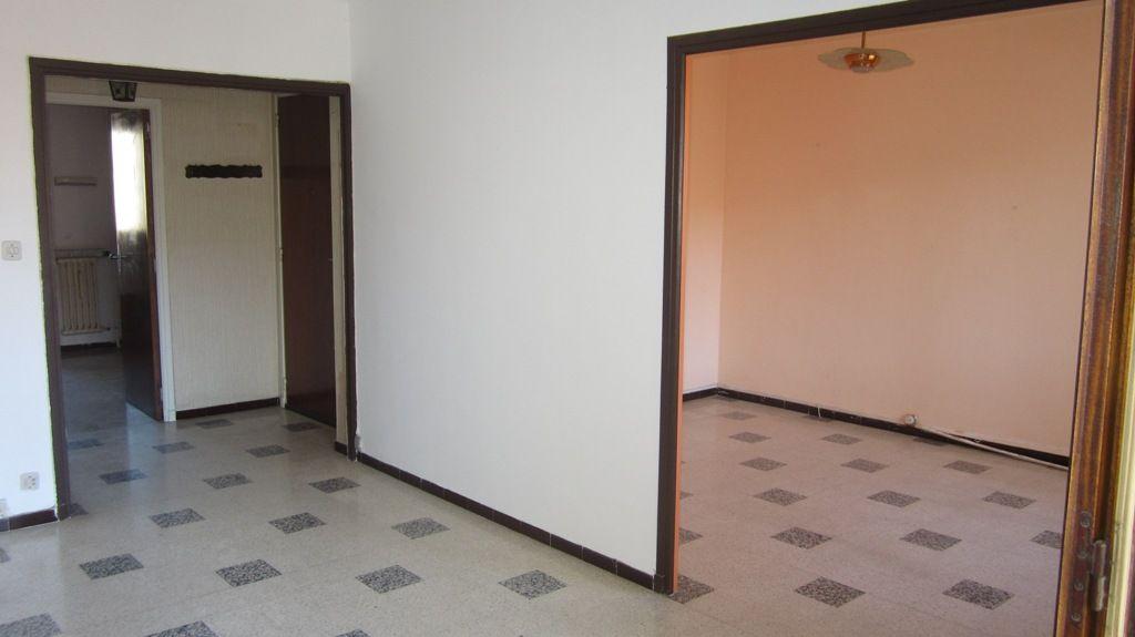 Appartement - 4 pièce(s) - 65 m² 124000 Toulon (83000)