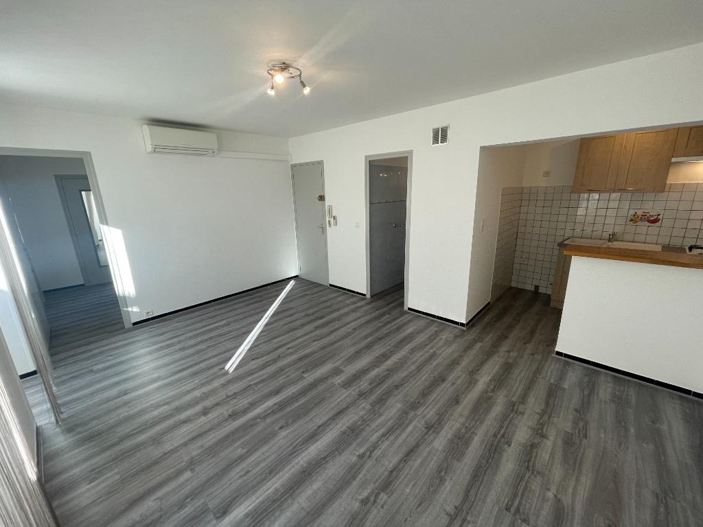 Appartement 2 pièces 32 m2 Villeneuve-de-Berg