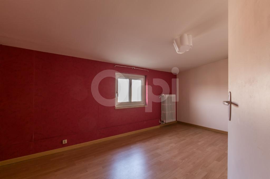 Maison Champigny Sur Marne 6 pièces , jardin et sous sol Total 110 m2