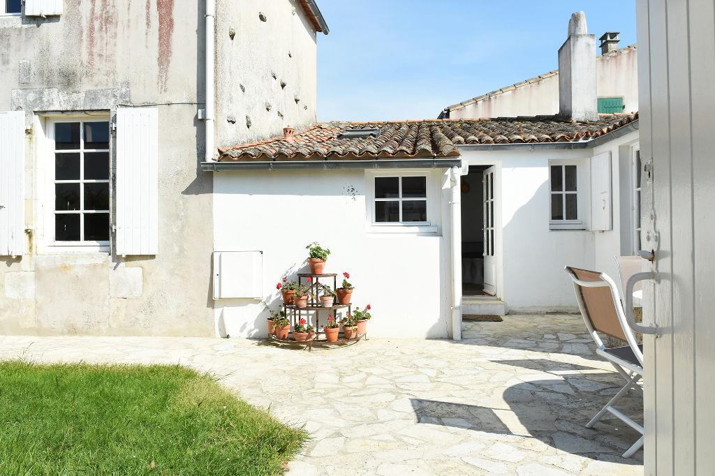 Maison de pays Charme et authenticité en plein coeur du village d'Ars en Ré. île de ré ARS EN RE (17590)
