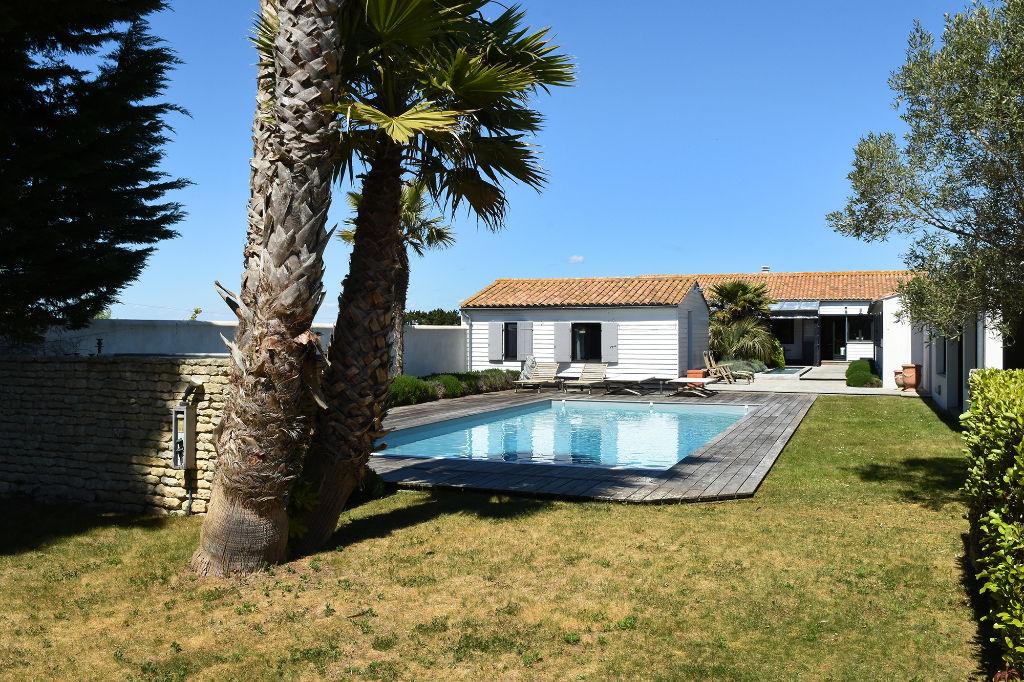 Maison Loix 11 pièces 310 m2 LOIX (17111)