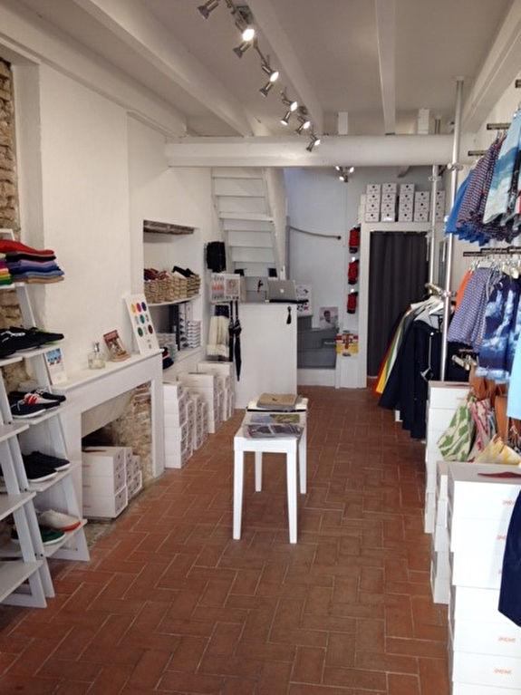 Local commercial  place du village Les Portes en Ré LES PORTES EN RE (17880)