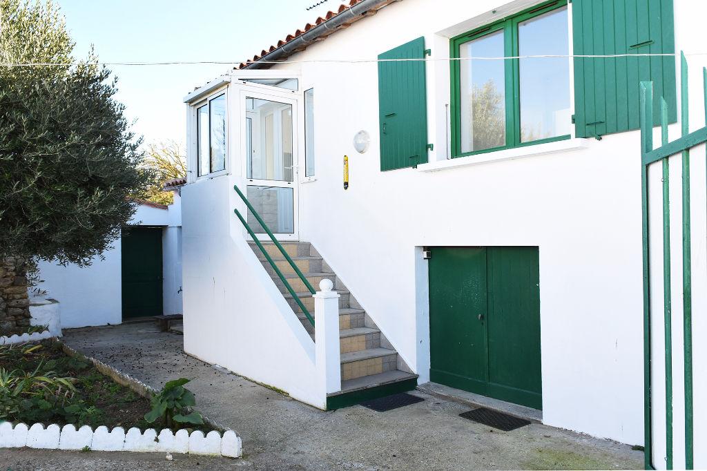 Maison Loix 4 pièce(s) 70 m2 LOIX (17111)