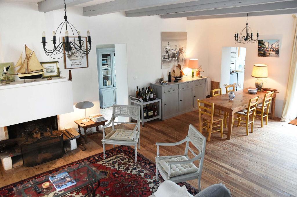 Maison  5 pièce(s) 140 m2 LES PORTES EN RE (17880)