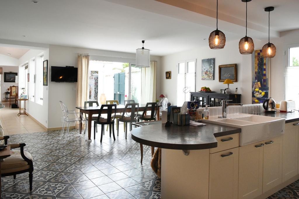 EXCLUSIVITÉ! Villa neuve coeur village LA FLOTTE EN RE (17630)