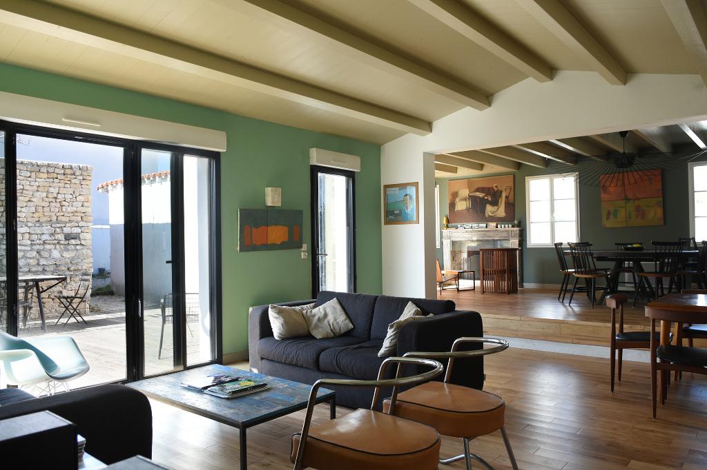 Maison Loix 7 pièce(s) 155 m2 LOIX (17111)