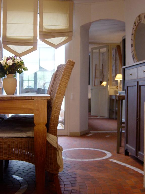 Maison La Couarde Sur Mer 6 pièce(s) 160 m2 LA COUARDE SUR MER (17670)