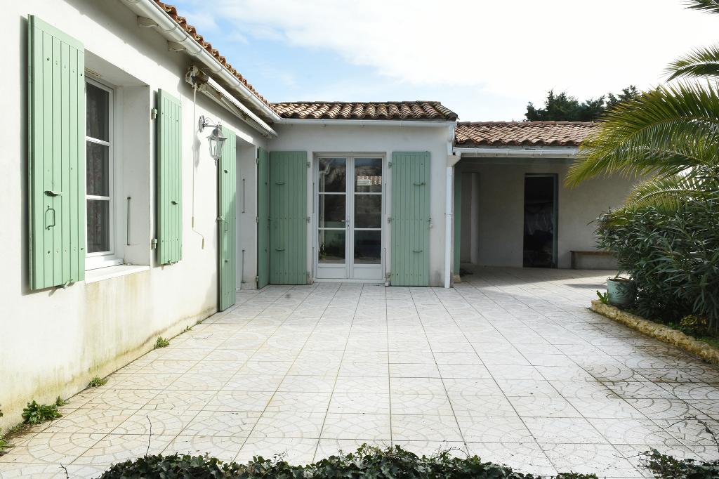 Maison Loix sur un terrain de 1192m2 LOIX (17111)