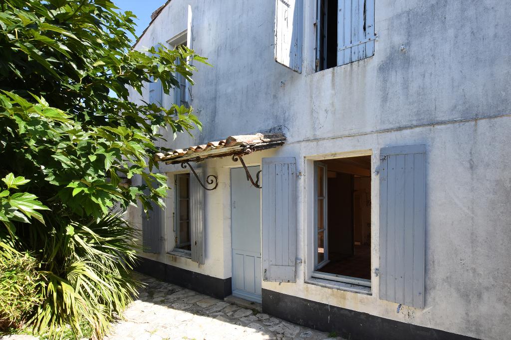 Maison de village pleine de charme à renover ST CLEMENT DES BALEINES (17590)