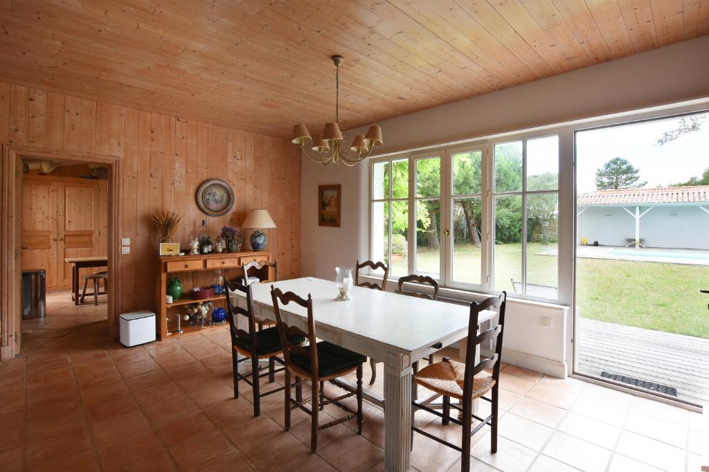 Maison Les Portes En Re 185.57 m2 LES PORTES EN RE (17880)