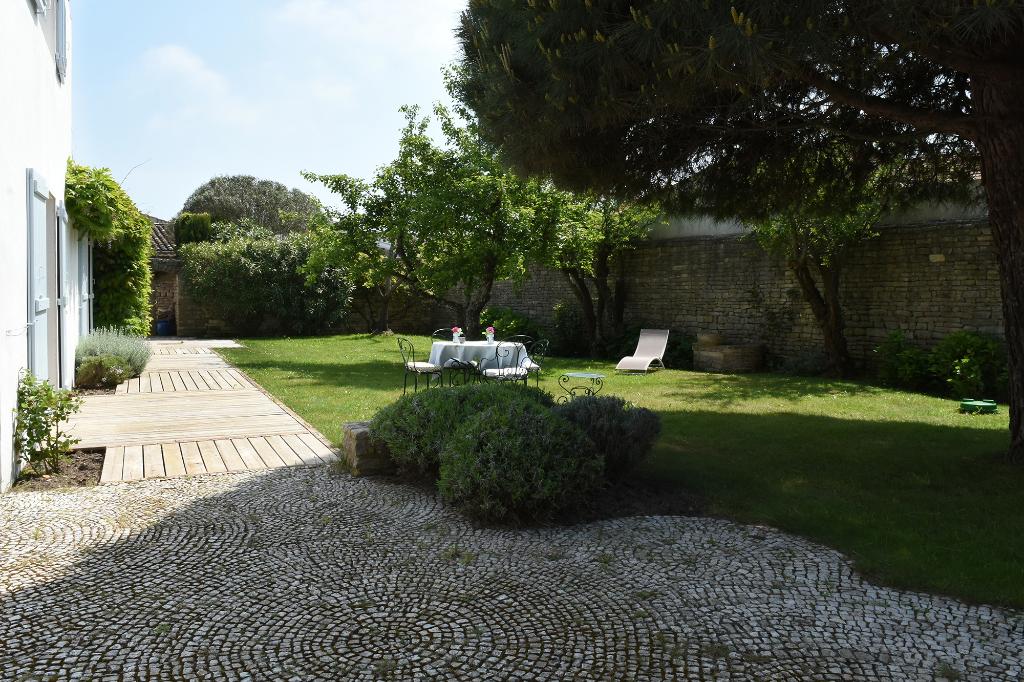 Maison Ars En Re 6 pièces d'environ 161 m² ARS EN RE (17590)