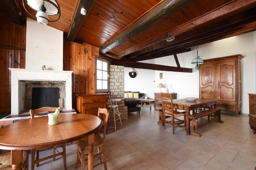 Maison La Couarde Sur Mer 9 pièce(s) 212 m2 LA COUARDE SUR MER (17670)