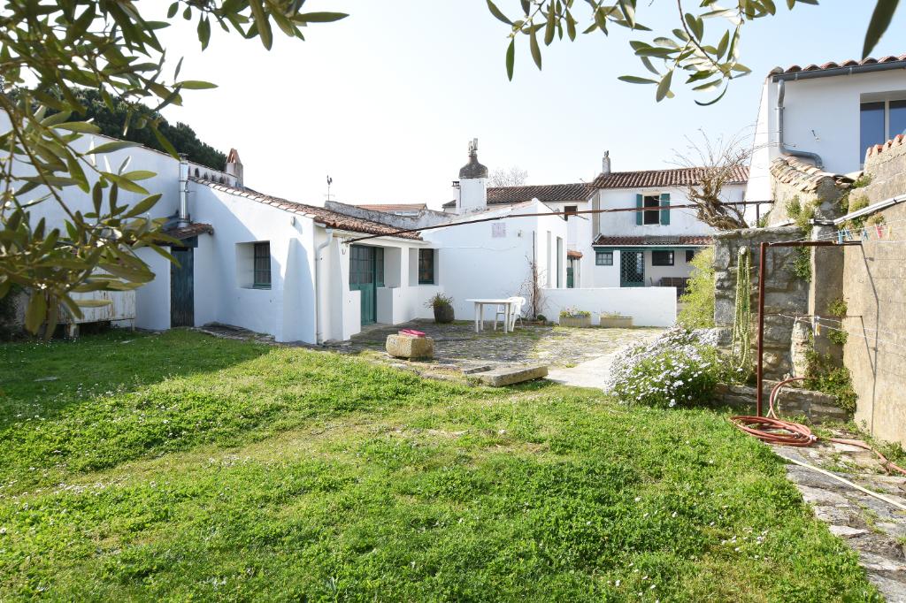 Maison La Couarde Sur Mer 4 pièce(s) 108m2 LA COUARDE SUR MER (17670)