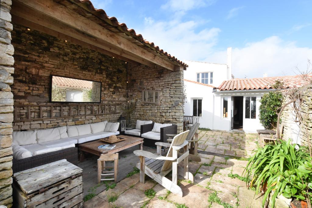 Maison au centre d'Ars En Ré d?environ 115 m² ARS EN RE (17590)
