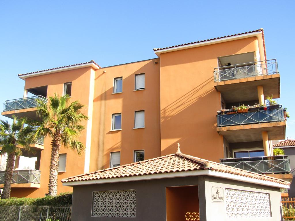 PHOTO1 - Location, Apt T4 récent avec terrasse et garage sur Agde .