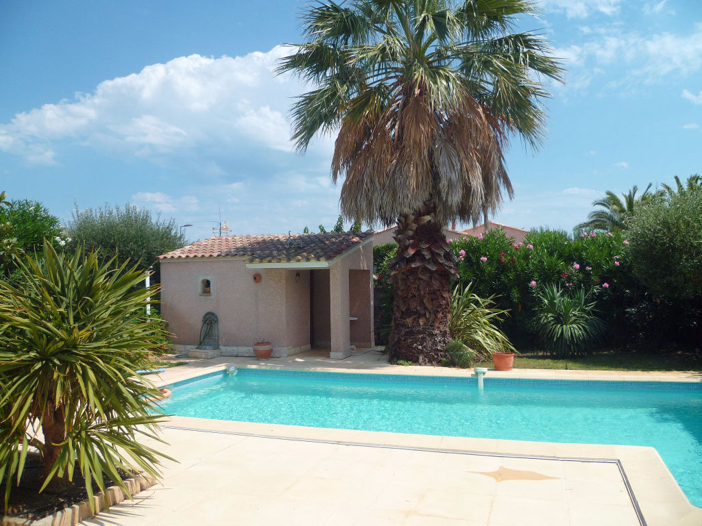 PHOTO1 - Vente villa de plain pied avec piscine à Marseillan .