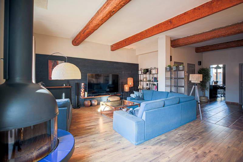 PHOTO1 - Vente superbe vigneronne avec jardin et garage de + de 200 m² à Agde .