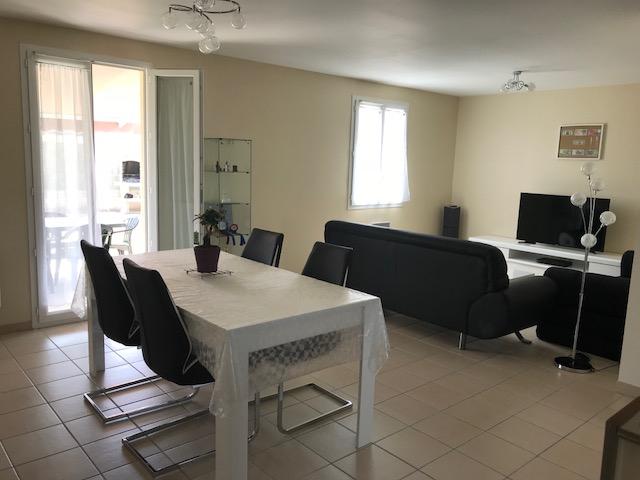 Maison Semussac 5 pièce(s) 100.11 m2 SEMUSSAC (17120)