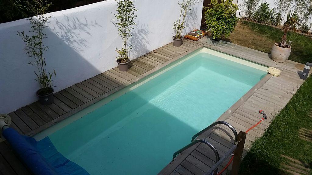 la seyne sur mer les sablettes plage haut de villa avec jardin immobilier la seyne sur mer 83. Black Bedroom Furniture Sets. Home Design Ideas