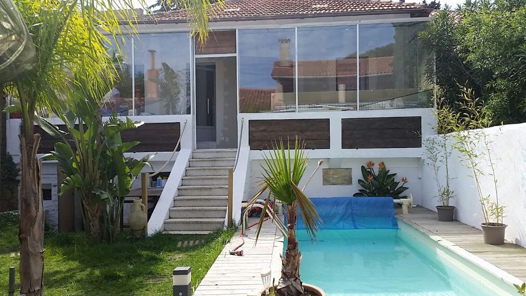 La seyne sur mer les sablettes plage haut de villa avec for Le jardin 3 minutes sur mer