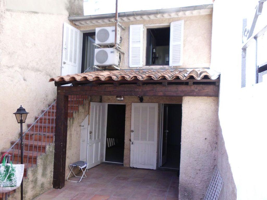 Maison de ville toulon est au calme immobilier la seyne for Garage a vendre toulon mourillon