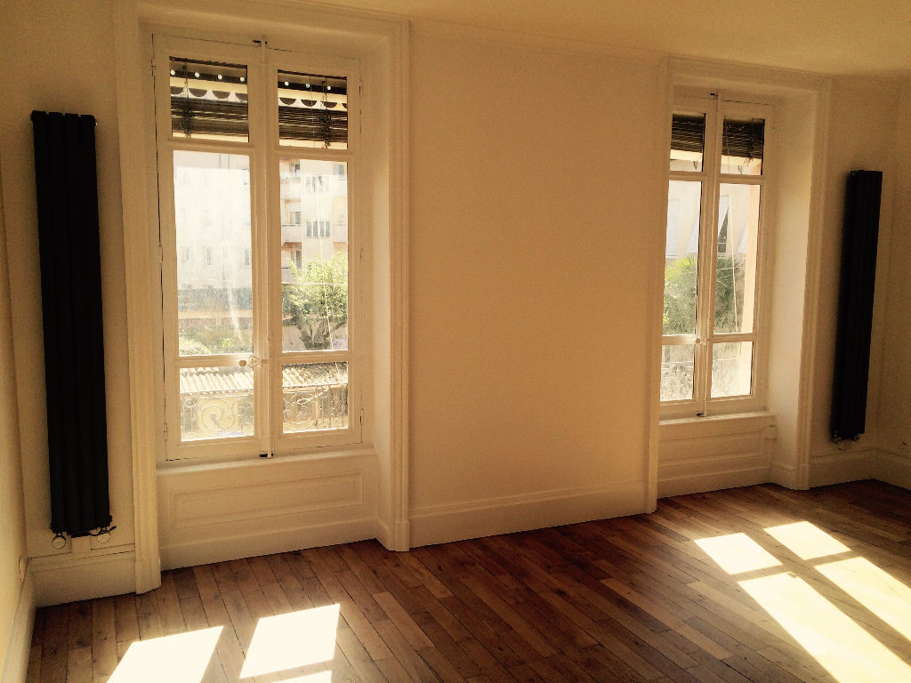 Annonce location appartement lyon 4 62 m 1 090 for Annonce location appartement