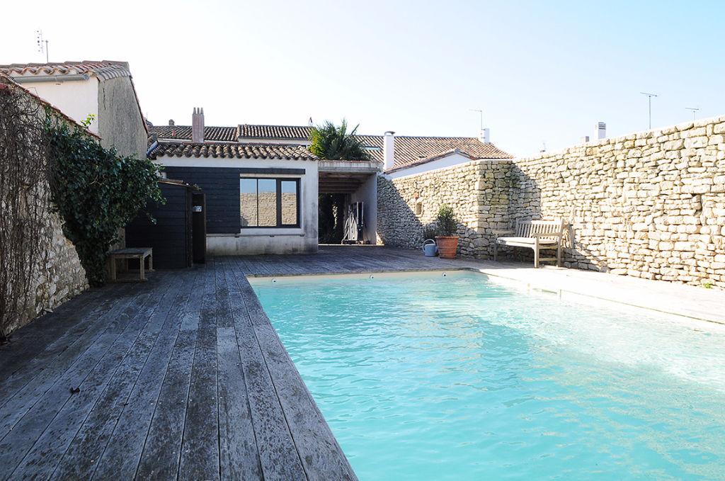 Maison de caractère coeur village avec piscine LA FLOTTE EN RE (17630)