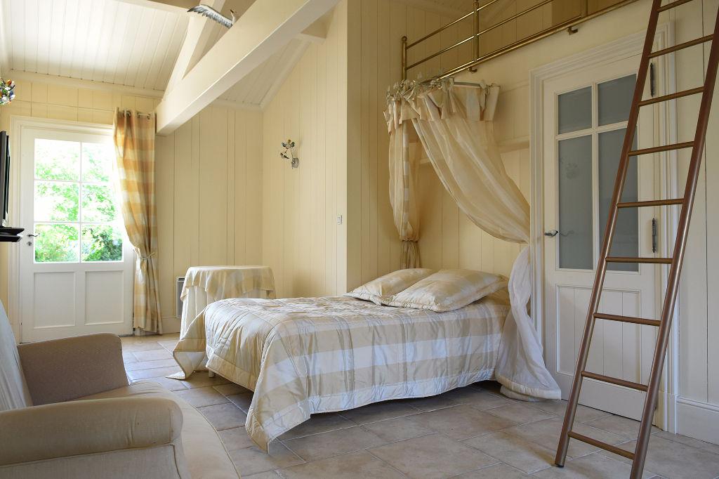 Maison STE MARIE DE RE 9 pièce(s) 350 m² STE MARIE DE RE (17740)