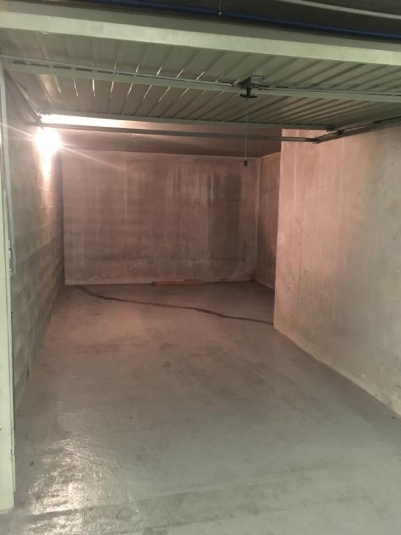 Annonce location parking garage lyon 3 75 992739643848 for Garage blanc lyon 4