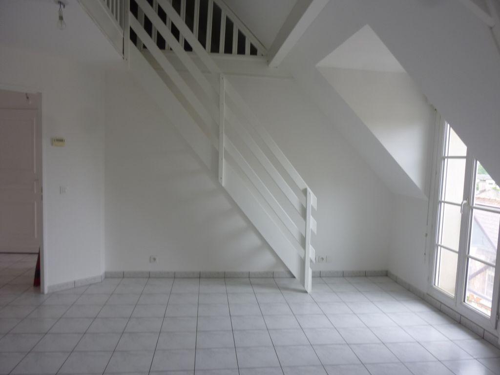 00905601CMSR - Appartement à louerBRIE COMTE ROBERT