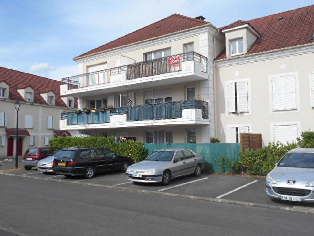 009056E0LY42 - Appartement à louerBRIE COMTE ROBERT