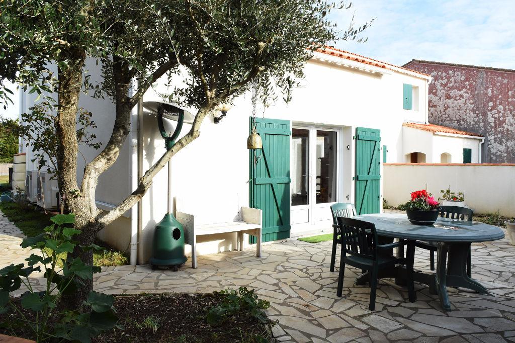 Maison de 100 m² à Sainte Marie De Ré 6 pièces STE MARIE DE RE (17740)