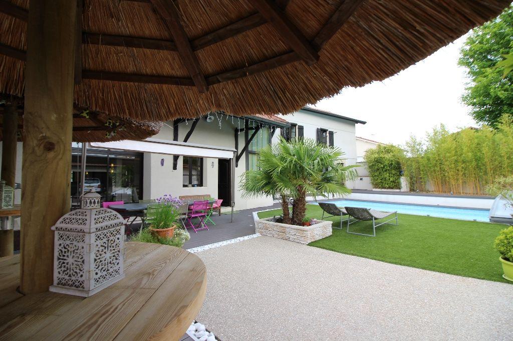 Annonce vente maison bourgoin jallieu 38300 215 m for Maison bourgoin jallieu