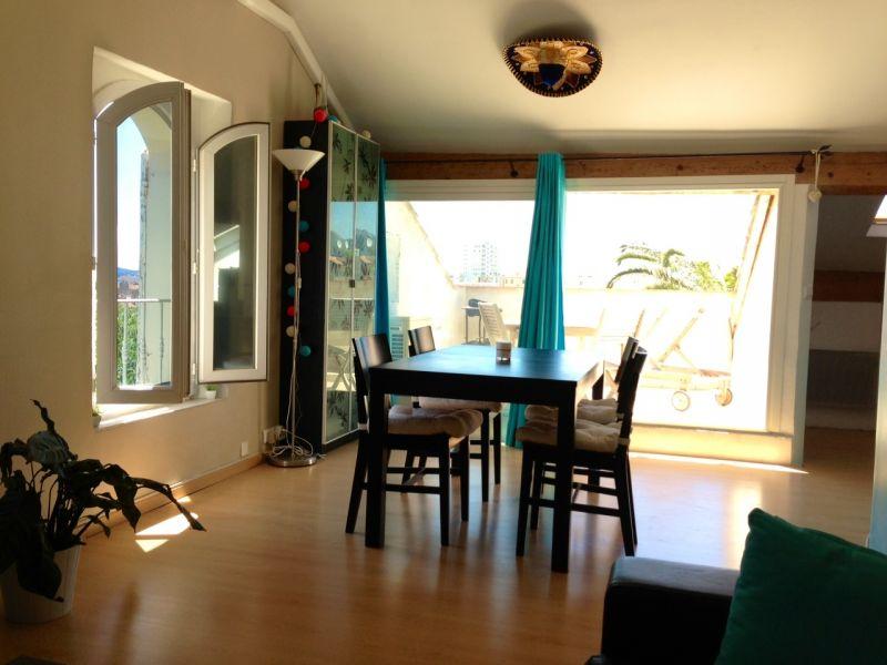 Toulon appartement t2 renove avec terrasse tropezienne dans maison ...