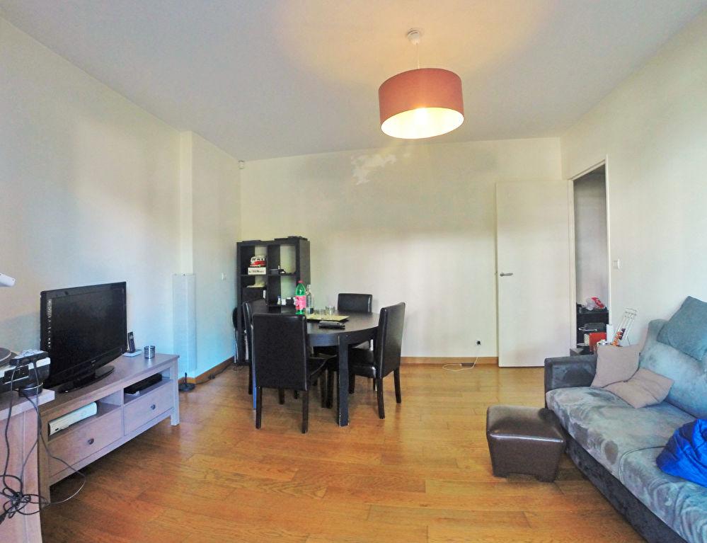 00390202RGYL - Appartement à louerST MAUR DES FOSSES