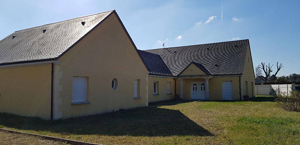 Maison 9 pièces - 7 chambres à vendre à ROMORANTIN LANTHENAY